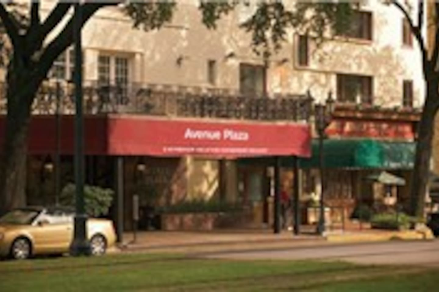 Wyndham Avenue Plaza Garden District On St.Charles - Resorts for ...
