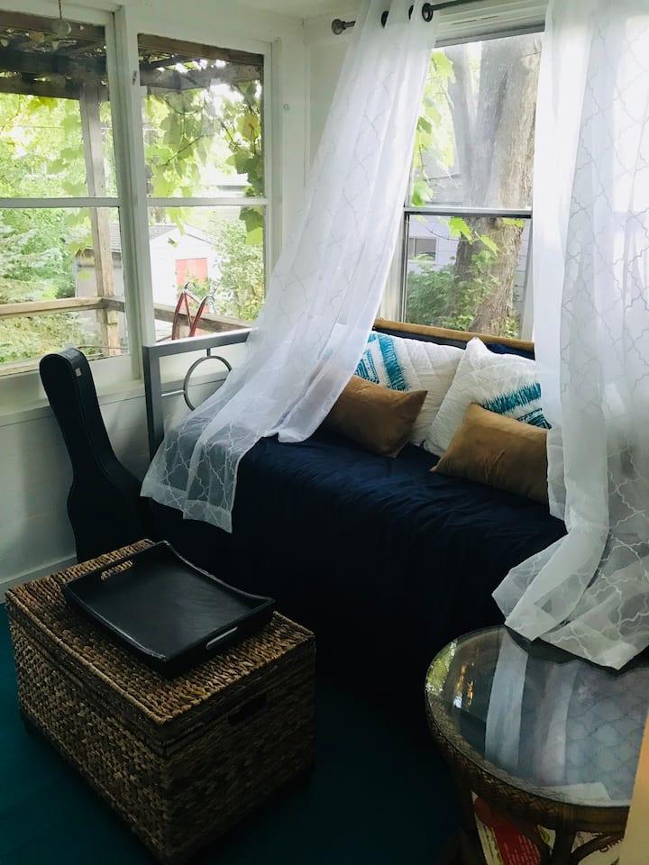 Cozy Monona Cottage Near the Lake
