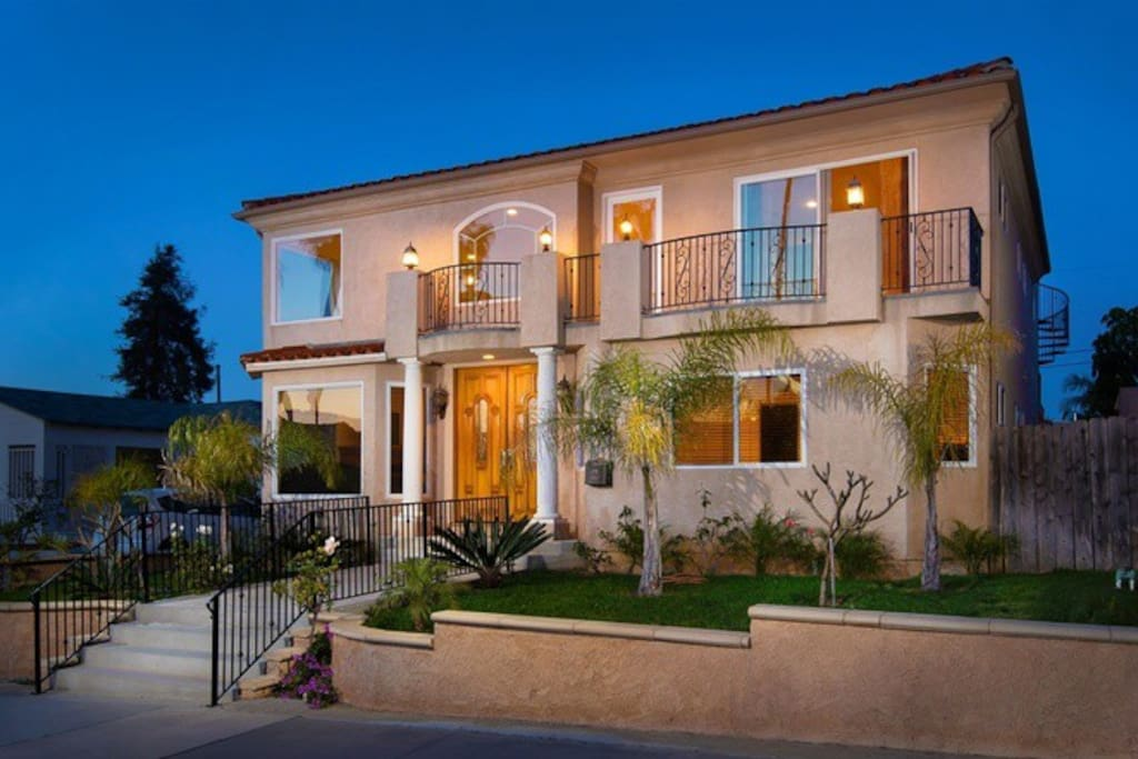 Luxury Master Bedroom Private Bathroom Houses For Rent In San Diego California United States