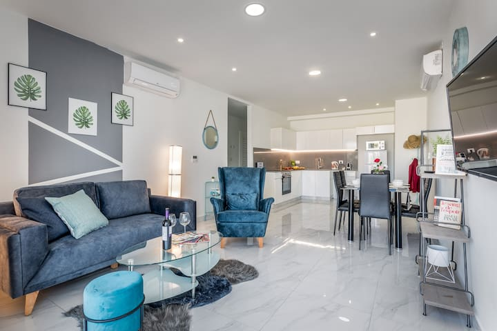 Gorgeous 2BDR with beautiful view -  Even Israel