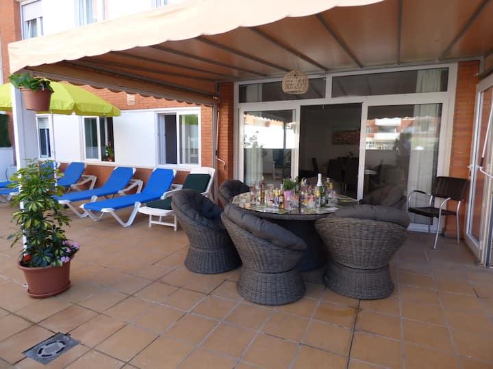 Lloret Fenals Pool & Terrace (2 min to Beach)