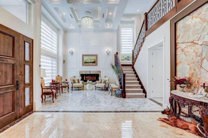 温哥华Richmond 高档住宅Luxury Room (套房,中文房东)room 3