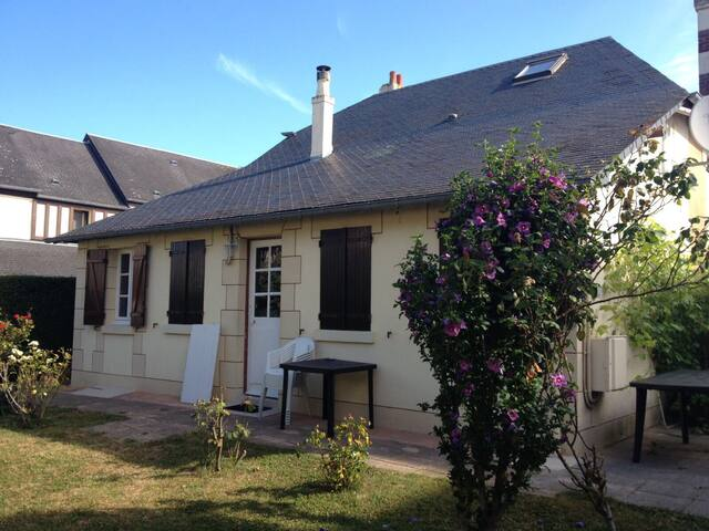 Charming home 5kms from Deauville