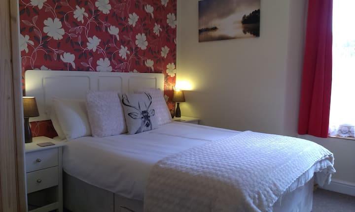 Cosy double room in coastal/village B&B