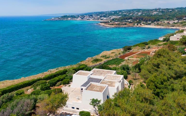 Einmalige Villa mit direktem Meerzugang