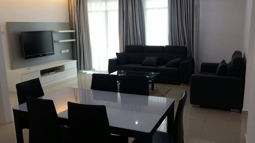 Cosy 3BD Parking Included - Bayan Lepas - Apartment