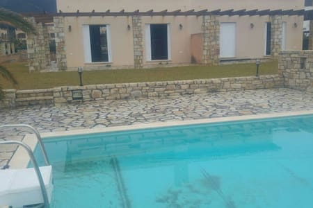 Beach Front Villa with Private Pool III - Platanitis - Villa