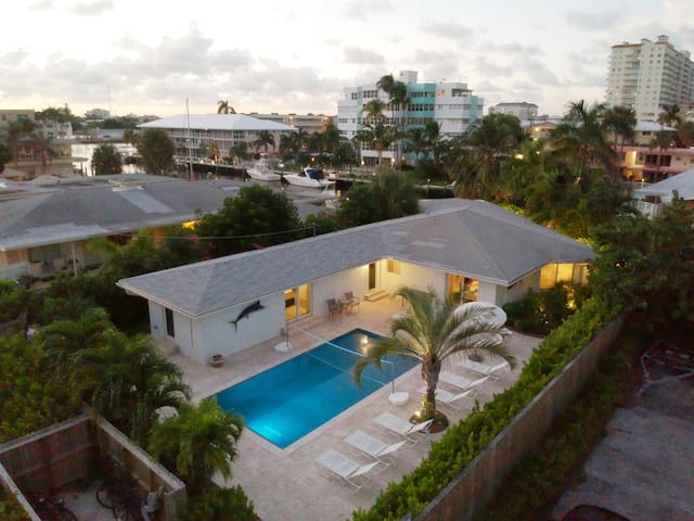 Villa Marlin Bay. Waterfront, new, luxury, beach