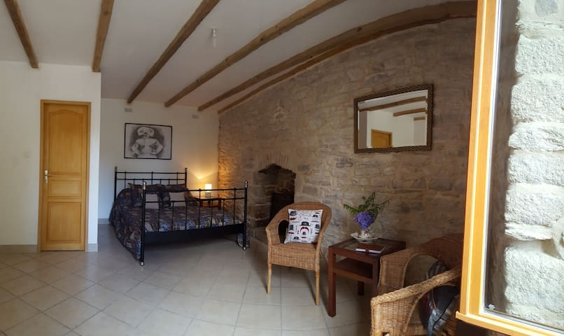Maison Ancienne, Chambre D'Hote - Guilligomarc'h - Bed & Breakfast