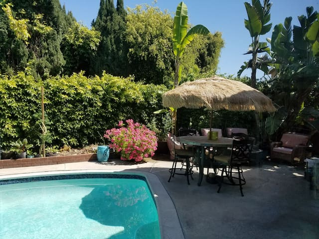 Organic Seed-To-Table meals included! - Huntington Beach - Bed & Breakfast