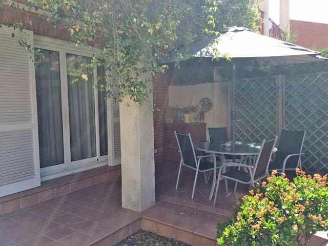 Acogedora casa en La Mora - Tarragona - Haus