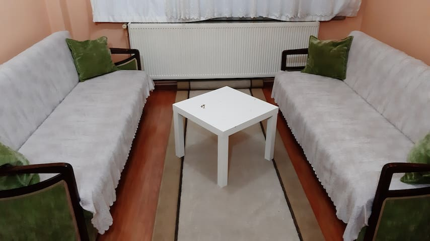 Private room in town, 15 minutes touristic places