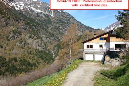 Casita aislada en la montaña (Ordino-Sorteny)