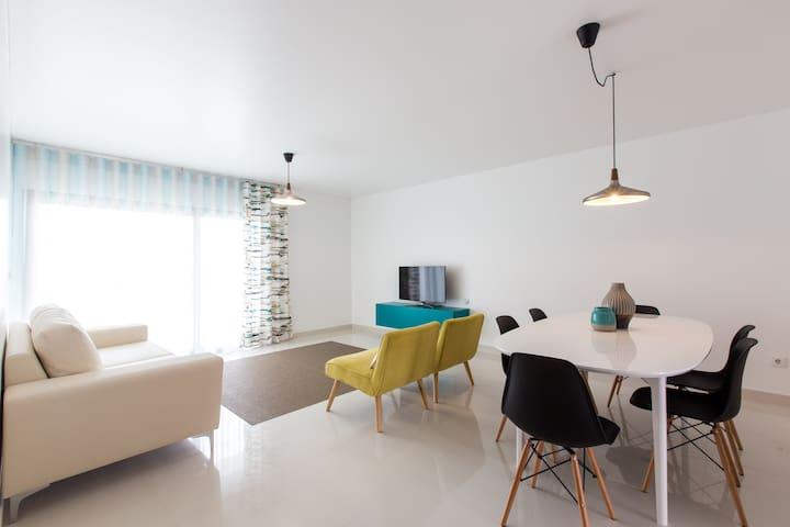 HolidayOn...E  Design Apartments - Ferrel - Apartment
