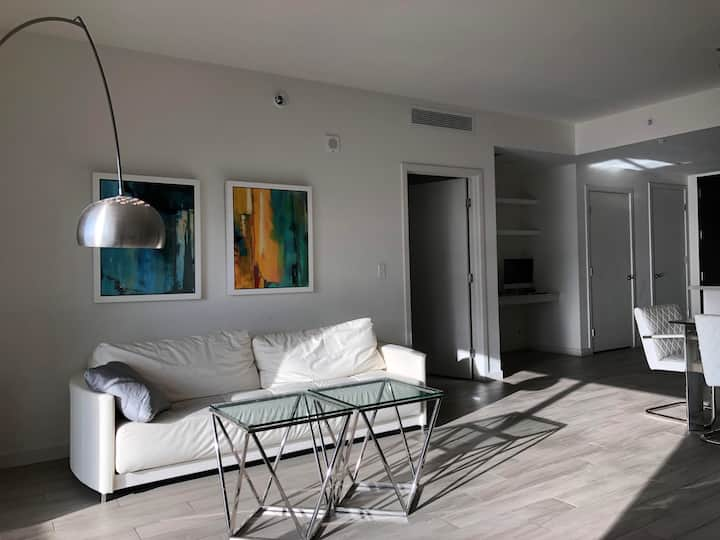 Luxury 2 Bedroom at Nine at Mary Brickell Village