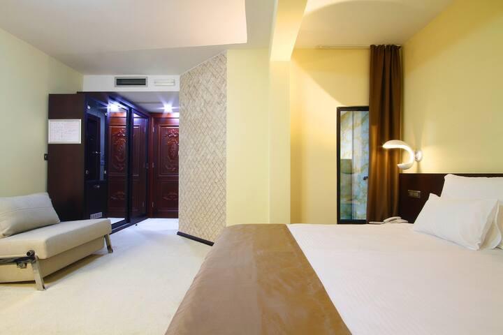 Hotel Nadezda- Standard suite - Boreti - ที่พักพร้อมอาหารเช้า