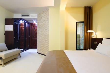 Hotel Nadezda- Standard suite - Boreti - Bed & Breakfast