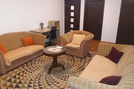 Apartments Mirković, Cetinje, MONTENEGRO