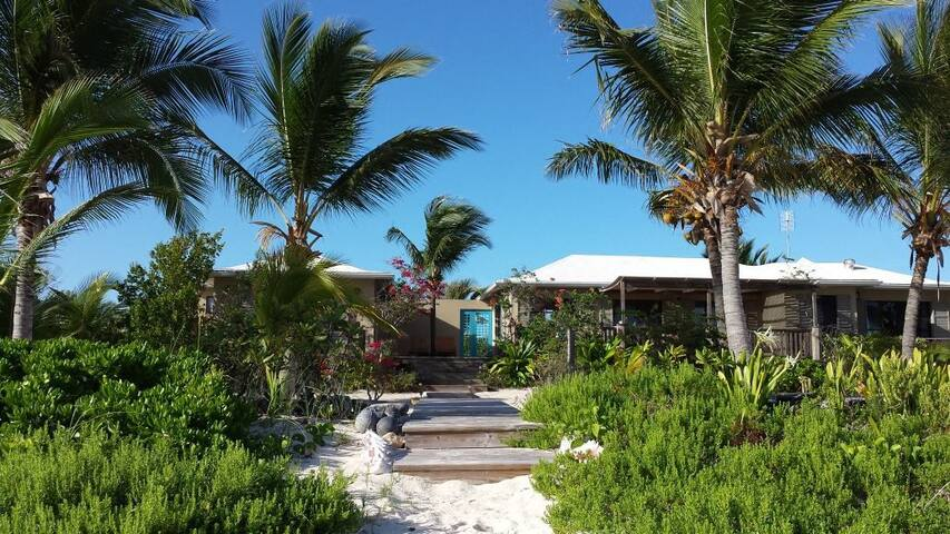 THE DATAI , BEACHFRONT VILLA on North Caicos