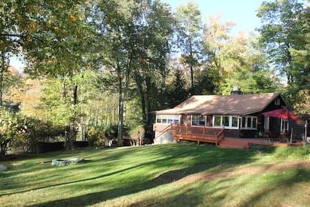 Mountain Lake Cabin - Smallwood - 小木屋