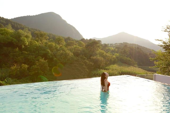 【叁时壹宿·阳明南】 无边泳池观山大床房