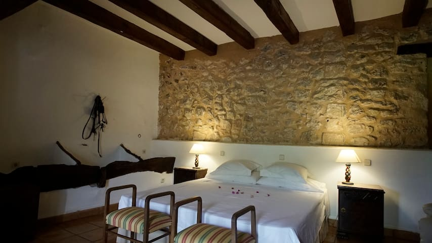 Beautiful Room in traditional Mallorcan Finca