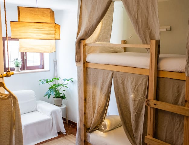 Bunkbed room | Bed 2 | Coyote surfclub Ericeira