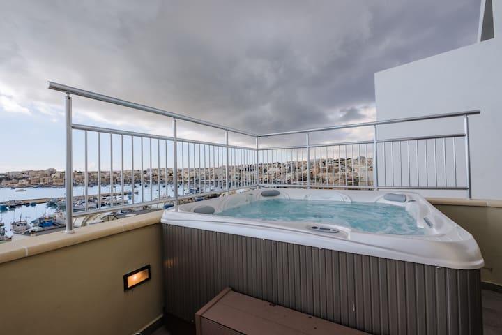 Seagull Penthouse Marsaxlokk Malta - Marsaxlokk - Apartment