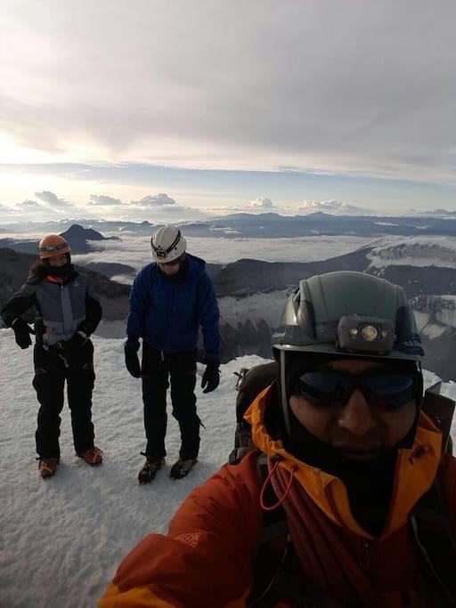 Nuestros amigos de Estados unidos quienes decidieron hacer cumbre el Volcán Cotopaxi 5.897