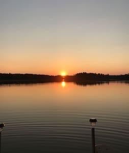Bass Lake Lakefront Retreat
