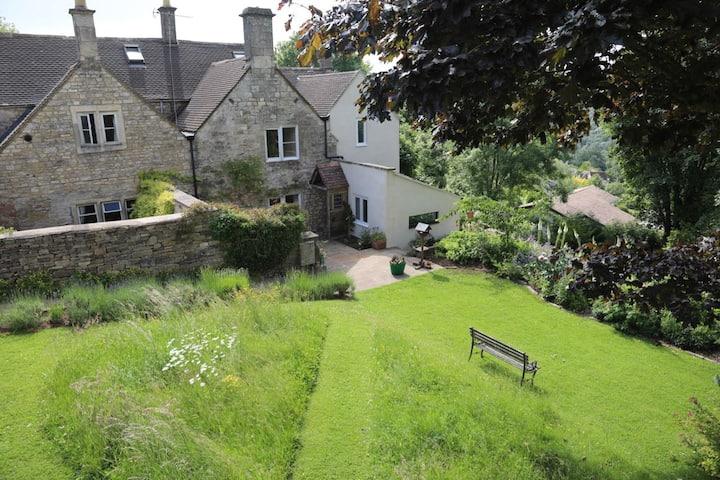 Laburnum cottage, with beautiful garden views