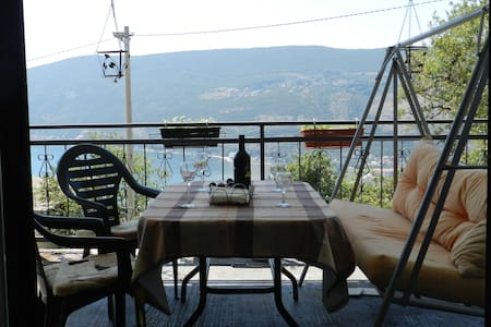 Hilltop Sea View Apartment - Sušćepan - Appartement