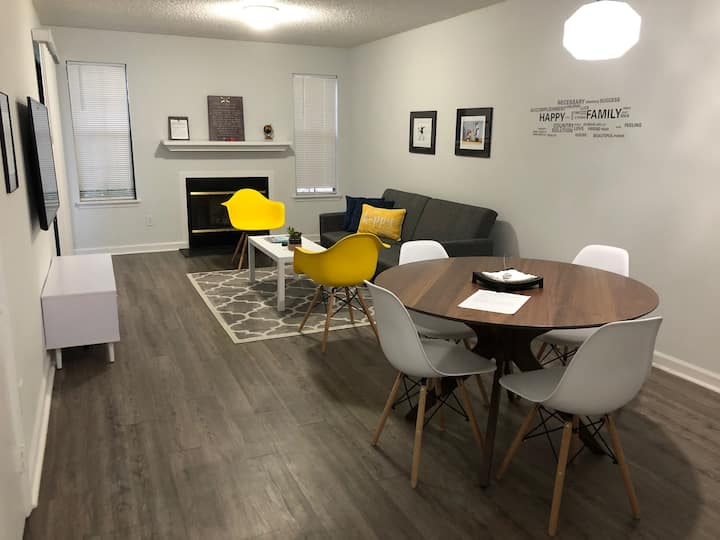 Gorgeous Design Furnished  Apartment close to FSU