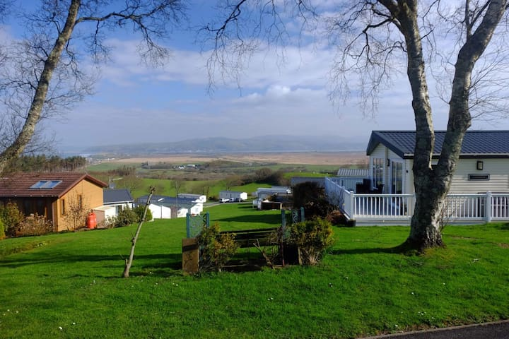Ty Bryn (Luxury Lodge/Stunning Views)