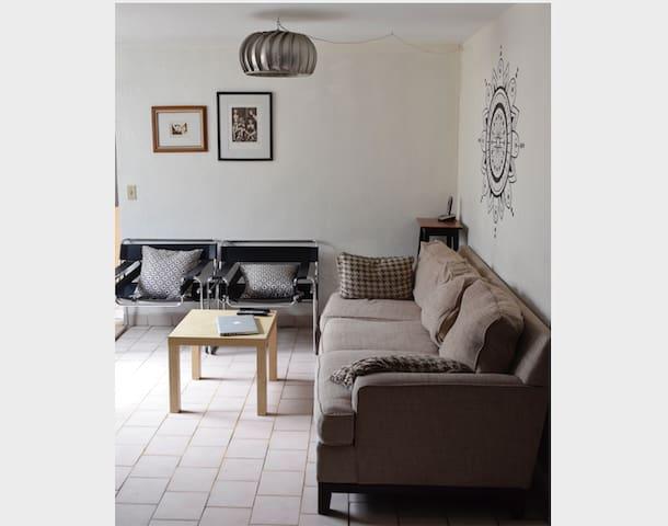 Habitación con baño privado en zona céntrica (TJ)