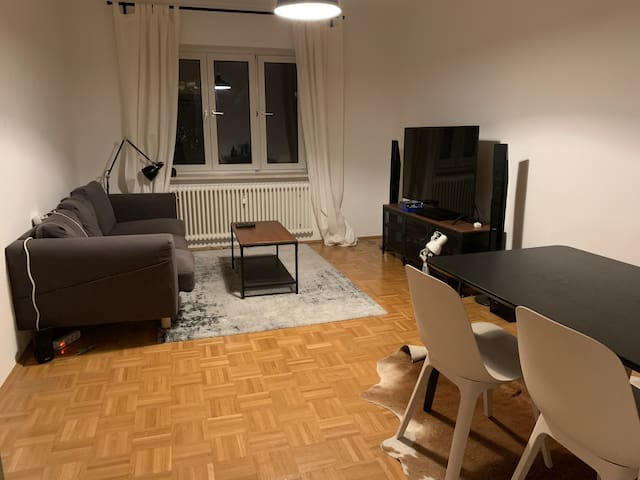 Room in a beautiful flat in the heart of Munich