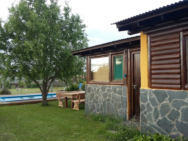 "Log cabin situated in ""El Paraíso"" Tandil"