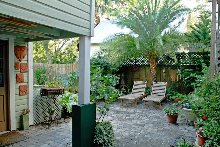 Charming Downtown Garage Apt - Saint Augustine - Byt