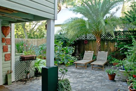 Charming Downtown Garage Apt - Saint Augustine - Apartmen