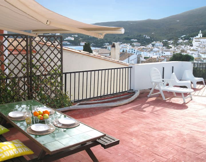 APARTMENT 2 - CADAQUES CENTER, beach in 4', WIFI