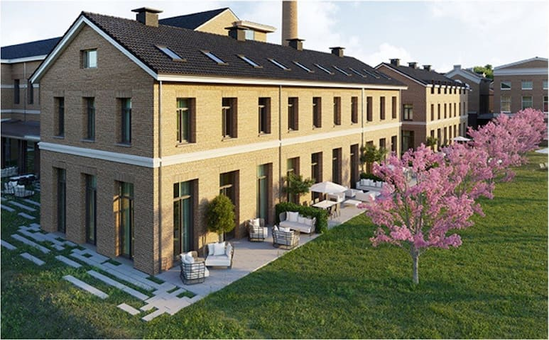 Luxurious villa (5 bedroom, 3 bathroom) Dutch GP