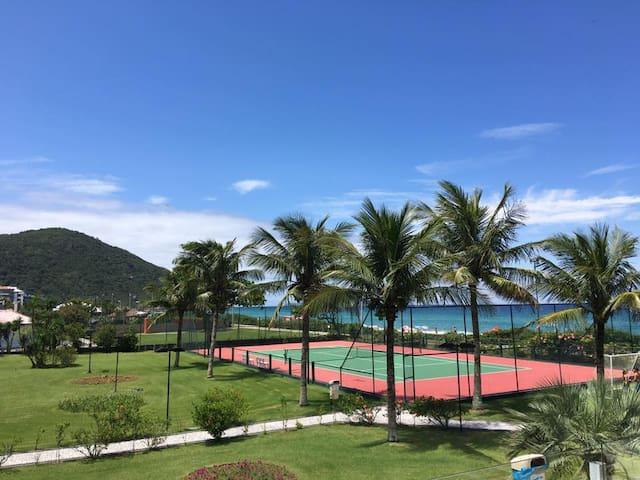 Quadra de Tênis e Futebol / Tennis and Soccer Fields