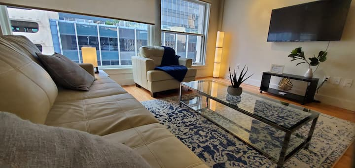 Perfect for Long Term | Studio Loft in Downtown! B