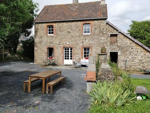 Chaleureuse maison de campagne  normande