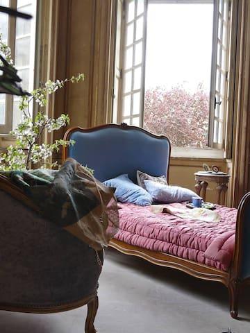 Apartment in Scenic Countryside Near Paris