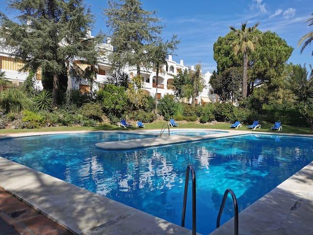 Nueva Andalucia. Penthouse - Le village