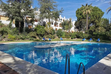 Nueva Andalucia. Penthouse  Le Village