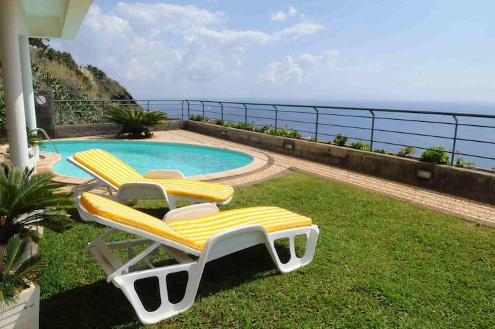 Belo Horizonte Villa - Magnificent Sea View + pool