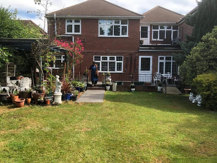 One Bedroom Nicely Furnished apart in High Wycombe