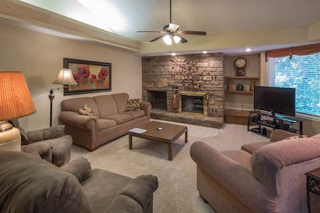 Greens One Condo w/ Jetted Tub, Fireplace, & Resort Amenities